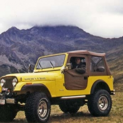 Jeep CJ7 V8 (gelb)
