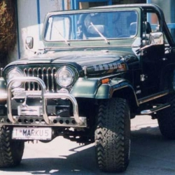 Jeep CJ7 V8 (grün)