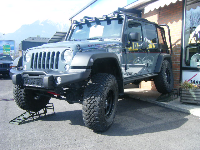 JK Rubicon 10 TH Anniversary 002